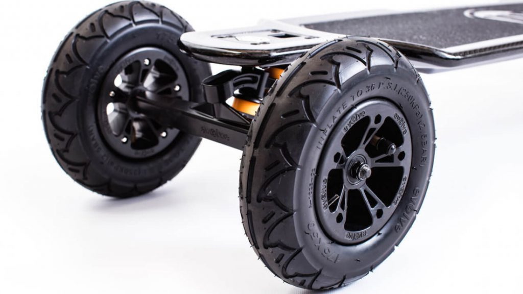 evolve skateboards gt carbon launch fotomedia. Black Bedroom Furniture Sets. Home Design Ideas